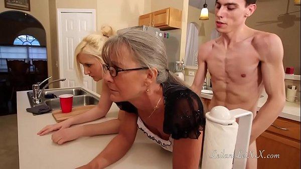 Jovem hipnólogo hipnotiza tia e prima para fazer sacanagem com elas