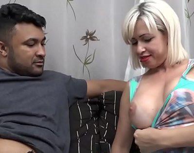 Porno brasileiro com sortudo comendo a gostosa da vizinha peituda