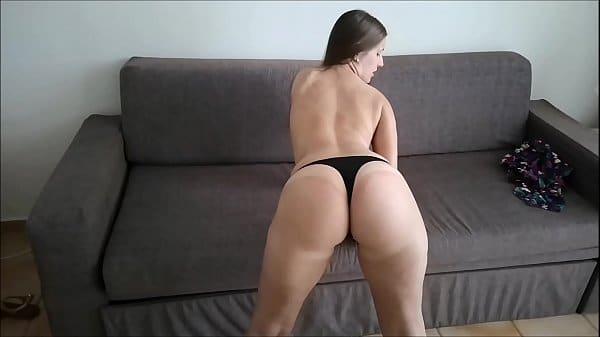 Reditube porno com gostosa tocando siririca antes de mamar o namorado