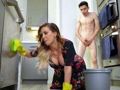 Vídeo pornô de mulher gostosa transando de quatro