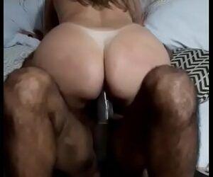 Caiu na net mulher traindo o marido em video porno amador