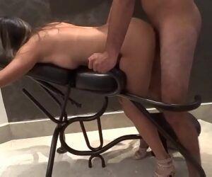Caiu na net porno amador com gostosa dando de quatro