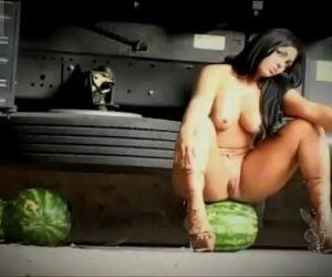 Vídeo pornô da mulher melancia pelada