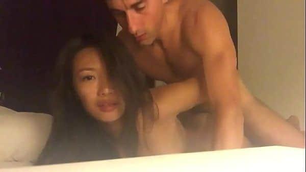 Fodendo japinha gostosa num motel
