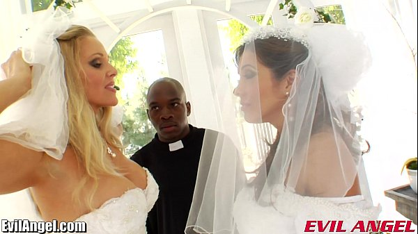 Noivas gostosas no casamento fazendo sexo com padre