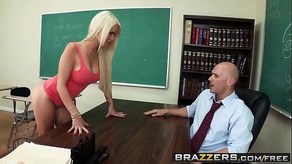 Sexo na escola com aluna loira safada demais