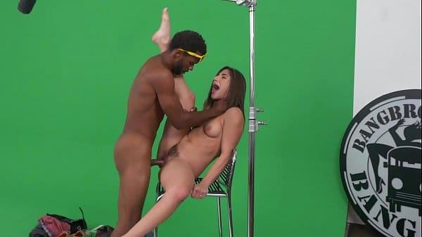 Vídeo de novinha do bangbros fazendo sexo gostoso