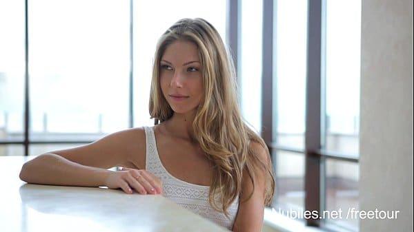 Video pornô do xvideos de loira novinha safada