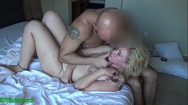 Fazendo sexo com babá dos seus filhos