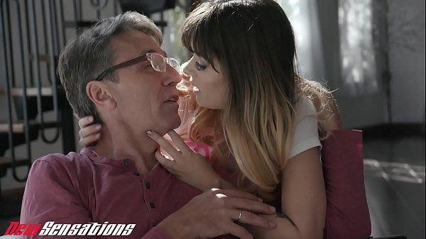 Sexo incesto proibido de pai comendo a filha
