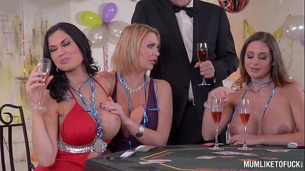 Suruba na despedida de solteira com mulheres gostosas