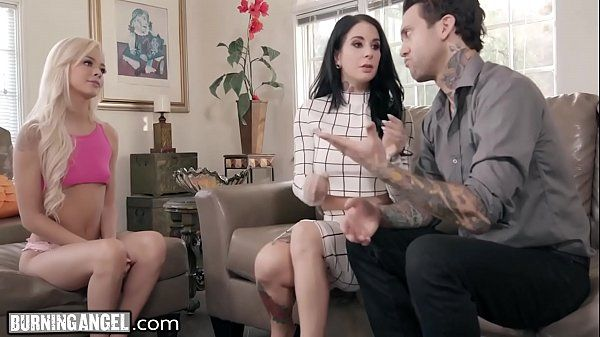 Vídeo de menage no porno com duas safadas