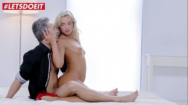 Vídeo de prostituta transando com macho rico