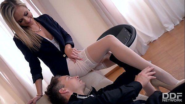 Vídeo de sexo fetichista com loira muito gostosa