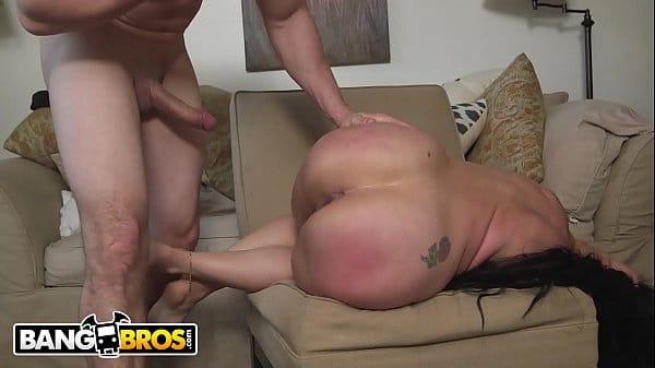 Porno familiar do cara bem dotado trepando gostoso com a sua prima rabuda