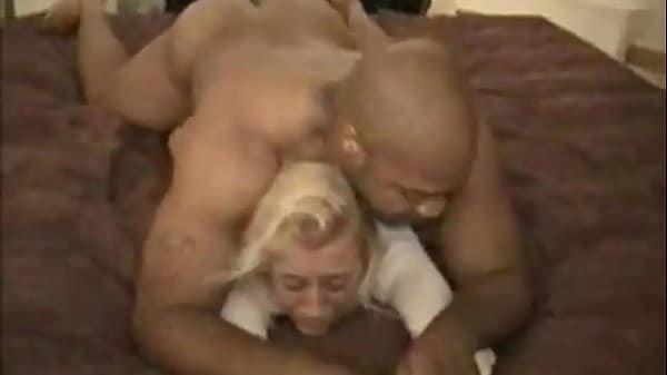 Xvideos estrupo do negão comendo a loira rabudinha contra a vontade dela