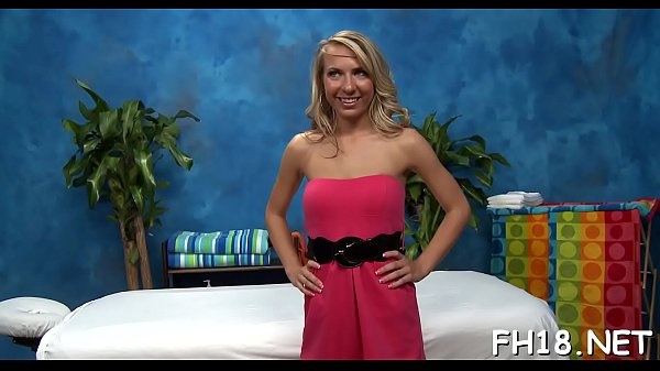 Assagem erotica com safada de loira que deu justamente para o seu massagista