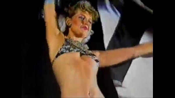 Porno da xuxa maria da graca meneguel anima o carnaval do atletico em 1983