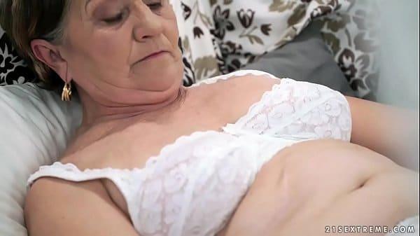 site porno gratis da velha safada fodendo em um filme de porno